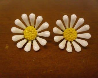Vintage 1960's  Daisy Earrings