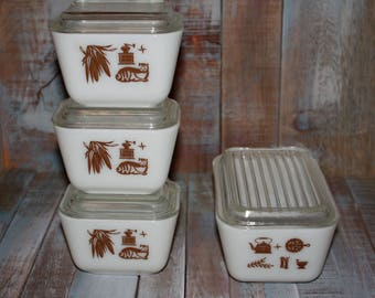4 Vintage Pyrex Early American Refrigerator Dishes