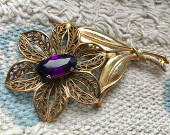 Mid Century Purple Rhinestone Flower Pin - EPSTEAM - Filigree flower pin - Gold tone flower pin - Vintage Wedding - Purple rhinestone brooch