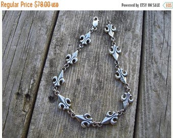 ON SALE Fleur de lis bracelet in sterling silver