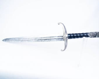 Sword of Snows (Thrones of Games) wolf blade