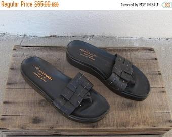 SALE 90s Donald J Pliner Flatforms Chocolate Brown Leather Thong Platform Sandals Modern Minimal Normcore Ladies Size 8.5-9
