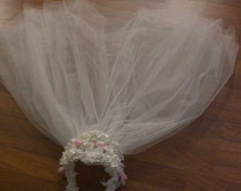 DAISY LOVE WEDDING short chapel veil vintage 1969- 1971 with head piece velvet ribbons rosettes flowers head piece