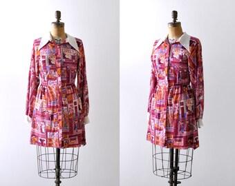 1960 mini dress. Arabic print. 60's red print dress. pink with white collar. Small.
