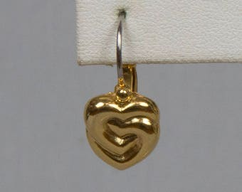 Heart shaped gold earrings Pierced French clip heart earrings Small entwined heart earrings Pristine condition Korea