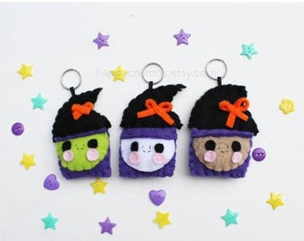ON SALE - Witch Keychain - Halloween Keychain, Trick or Treat, Felt Food, Party Favors, Limited Edition