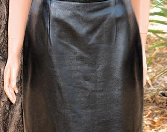 Gorgeous Classic  HUGO BUSCATI MILANO Designer Quality Luxurious Lambskin Black Leather Skirt Size 12 Mint Condition