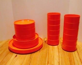 Heller Vignelli Stacking Orange Plates Bowls 30 Pieces Mod Mid Century Modern Dinnerware  Trays Plates Plastic  Hellerware  Melamine