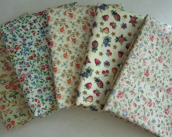 5 Assorted Light Tone Fat Quarters, Calico Cotton Fabric Remnants, Quilting, Sewing