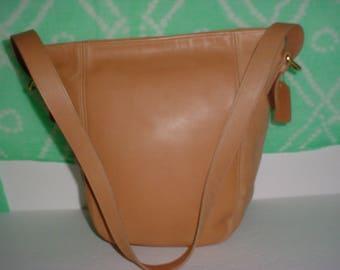 Vintage Coach  tan leather  Soho bucket  Cross body  Shoulder bag ,