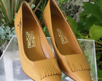 Free Shipping! Vtg. SALVATORE FERRAGAMO Tan Shoes with Great Details- New Old Stock- Size 10AA