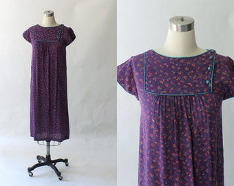 Vintage Calico Rayon Dress // 1980s Robbie Bee Cap Sleeve Flower Print Mid Length Purple Dress // XS - Small