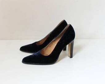 Vintage Velvet High Heels // Max Nuggus Couture Pointed Toe Pumps // Women's Shoe Size 8 // EU 38