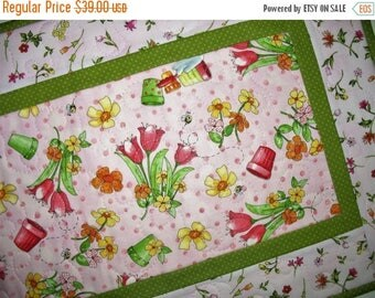 Sale Christmas in July Spring Table Runner, floral, Summer, quilted table runner, handmade, focus fabric from Red Rooster
