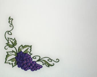 Bunch of Grapes embroidered quilt label to customize with your personal message