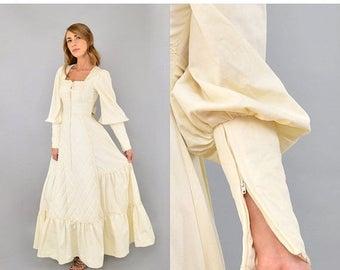 SUMMER SALE 70's Quilted GUNNE Sax Dress