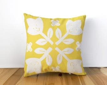Yellow throw pillows for kids, Kids decor, Kids pillow, Nursery pillow, Nursery decor, Baby pillow, Baby girl nursery, New born gift, Olula