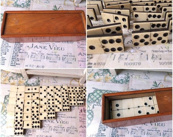 Beautiful French Antique complete boxed set of 28  large dominoes made of white bone and ebony.
