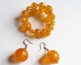 On Sale Bracelet and Earring Set Memory Wire Bracelet with Vintage Orange Plastic Beads and Beaded Earrings