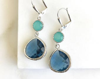 Sapphire Blue and Aqua Dangle Earrings in Silver.  Dangle Earrings.  Bridesmaids Drop Earrings. Wedding Jewelry. Silver Earrings. Gift.