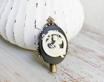 Personalized Hair Clip - Black Cameo Jewelry - Initial Hair Clip - Cameo Hair Clip - Bridesmaid Gifts - Bridesmaid Hair Clip, Cameo Barrette