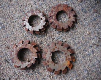 Vintage 1950s Metal/Steel Small Round Rusty Gears Retro Industrial Steampunk Lawn/Altered Art Projects Retro Set of (4) Four