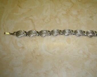 vintage bracelet silvertone brushed shiny