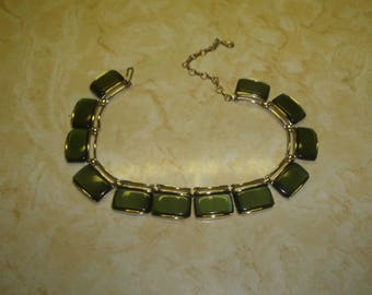 vintage necklace choker goldtone green moonglow thermoset lisner