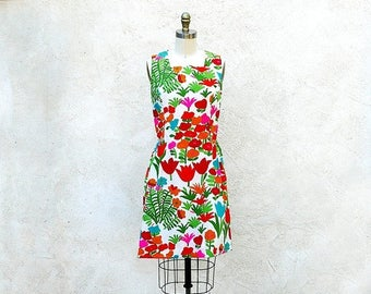 1/2 Off SALE Vintage 60s Flower Power Mod Dress Sleeveless Bright Cotton Print Summer Shift