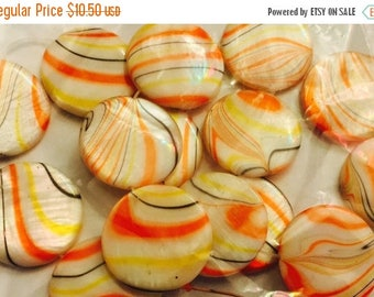 """Great Sale Mother of Pearl Beads 3/4"""" Round Orange Yellow White Black 15 Beads"""
