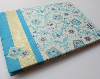 Large Turquoise and Metallic Gold Peacock Wedding Guest Book: Blue and Gold Romantic Guestbook