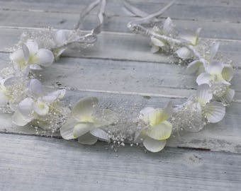 Ivory and White Dried baby breath and Silk Hydrangea, Flower Girl Tie back,White Floral Wreath, First communion wreath