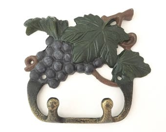 Vintage Key Hook - Wall Hooks - Garden Hook - Grapevine Coat Hooks - Kitchen Grapes Dog Leash Hook - Jewelry Organizer - Grape Decor