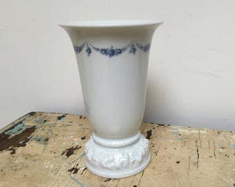Vintage Rosenthal vase with Blue guirlande, made in Germany