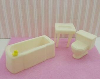 Marx Bathroom  Bath tub and Sink Toilet White Toy Dollhouse Traditional Style  soft Plastic