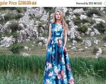 Sample SALE Blue Floral volumed thick satin dress with open back