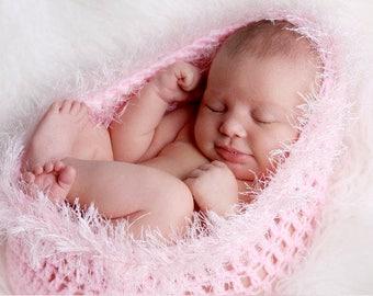 Gorgeous Newborn Baby Cocoon Pod Pink with Eyelash/Textured Trim