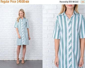 ON SALE Vintage 70s White + Green Mod Dress Shift Shirt Dress Shirtdress medium M 9798