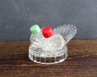 1950's Retro Turkey Tail Tray Set with Red and Green Lids, Vintage Pressed Glass Turkey Tail Salt and Pepper Shakers, FREE SHIPPING