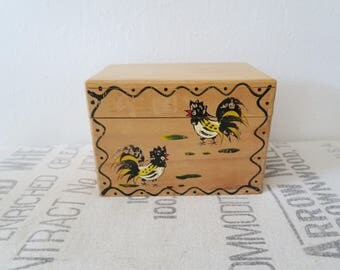 Vintage Woodpecker Woodware Wooden Rooster Chicken Kitchen Recipe Index Card File Box