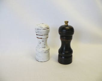 Salt Shaker and Pepper Mill Grinder, Salt and Pepper in Wood, Vintage Distressed Farmhouse, Black & White, Shabby or Cottage Chic