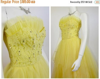 SUMMER SALE 1950's Lemon Yellow Cupcake Prom Dress / Rockabilly Cocktail Dress / 50's Strapless Party Dress with Shelf Bust & Layered Lace a