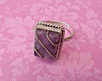 Charming Vintage Sterling Silver Ring with Amethyst Stone
