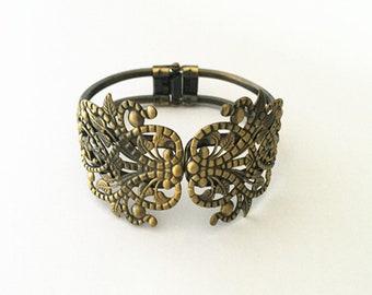 2pcs 34mmx67mm  antique Bronze pedestal bracelet accessories