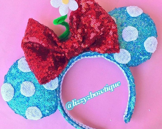 Minnie Mouse Steamboat Classic minnie ears