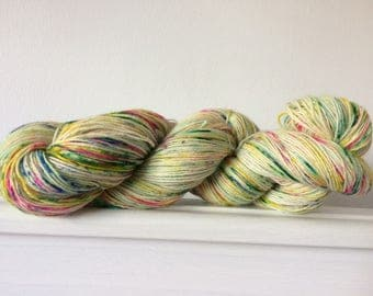 """Hand Dyed 4ply Sock Yarn """"Time For Salad"""" 100g 420m 75/25"""