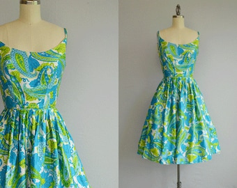 Vintage 1950s Sundress / 50s Floral Paisley Novelty Print Dress with Full Pleated Skirt / Turquoise Lime Green