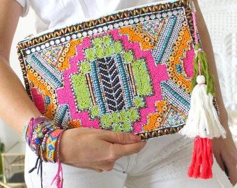 pochette ethnique hippie chic pompons, perles
