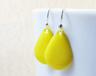 40% OFF Dangle Drop Earrings - Lemon Yellow Epoxy Enamel Teardrops - Sterling Silver Plated over Brass (F-5)