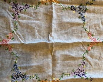 2 vintage 40's tablecloths